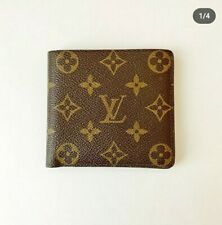 LOUISE VUITTON MONOGRAM BIFOLD WALLET (ALMOST NEW)