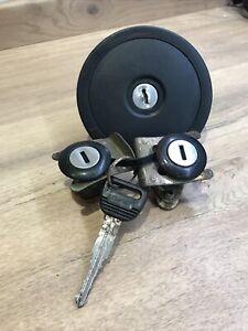METRO MK2 LOCK SET CWB103780, 2 Door Locks & Petrol Cap