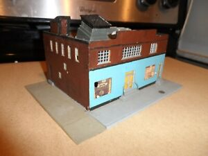HO SCALE DOWN TOWN BUILDING