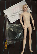 Poupée Carlisle Cullen saga Twilight Mattel Ken collection Barbie neuf nu nude