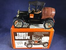 E3-82 ERTL 1:25 SCALE DIE CAST BANK - 1918 RUNABOUT -TRUST WORTHY HARDWARE STORE