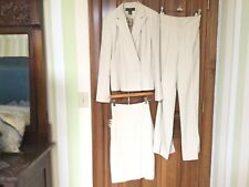 Banana Republic,100%Silk,Cream Color, Size 6 Jacket/Size8Pants,Lined 3Piece Suit