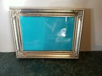 """Gorgeous Vintage Ornate Gold Wood Picture Frame Wall Photo Holds 5"""" × 7"""""""