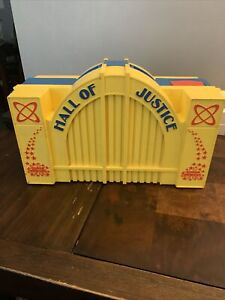 Vintage Kenner DC Super Powers Hall of Justice Action Figure Playset & Figures