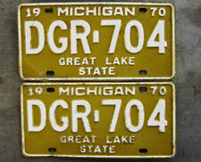 1970 MICHIGAN LICENSE PLATE # DGR-704  PAIR