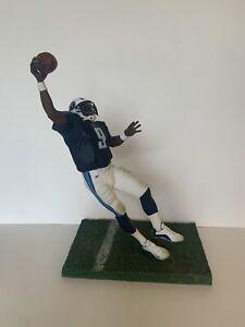 NFL Steve McNair 9 figurine