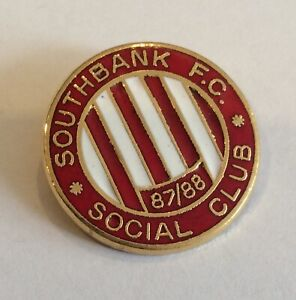 SOUTHBANK SOCIAL FC Football Club Badge Enamel Non Legge OLD VINTAGE PIN REEVES