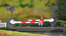 Train-Tech LC10 Level Crossing Barrier Set with Light & Sound Single OO Gauge