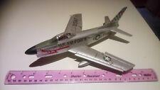 Republic F-86D Sabre Dog 2 1/48? construit, Pièces de rechange ou réparation