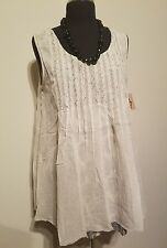 Ivy Jane Casual Ivory Sleeveless Top with combo leaf print, Size Large