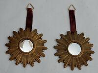 1970′ Paire De Miroirs Convexes Soleils En Résine Dorée D: 26 cm