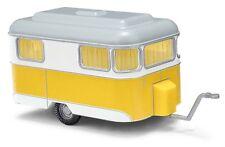 Busch 51701 - H0 1:87 nagetusch caravana, blanco/amarillo NUEVO EN EMB. orig.