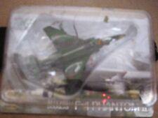 TAKARA WORLD MUSEUM 1/200 2ND SQUADRON PHANTOM II RF-4EJ