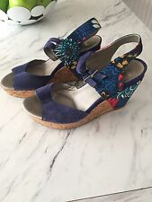 Stunning Clarks Soft wear Size 5.5 Floral Blue Wedge Sandals