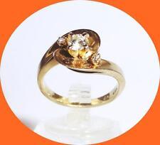 PRETTY AND UNIQUE 14K YELLOW GOLD DIAMOND RING - SIZE 5.5