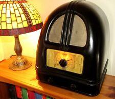 Delightful Art Deco Bakelite 'Philco 444 Peoples Radio'. c1936