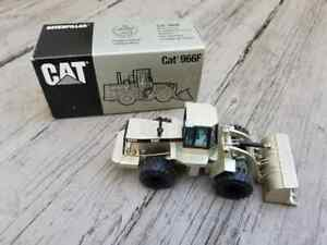 CAT 966F Wheel Loader Limited Edition Silver 1:50 Scale DieCast NZG-Modelle 237