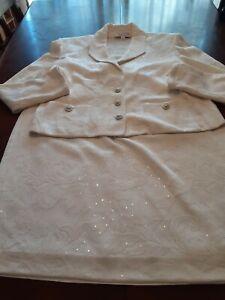 St. John Evening White Floral Santana Knit Pailette Embellished Suit Size 14