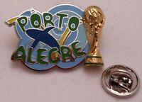 Pin Anstecker + Fußball FIFA Weltmeisterschaft 2014 Brasilien Porto Alegre (75)