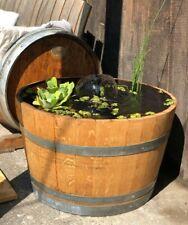 Mini-Teich aus gebrauchtem Weinfass