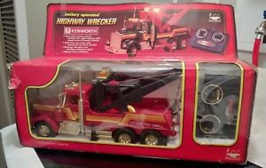 New Bright Remote control RC radio Kenworth Tow Truck Highway Wrecker in box RED