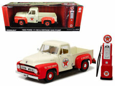1953 Ford F-100 Pickup Truck Texaco & Vintage Gas Pump 1/18 by Greenlight