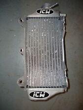 Yamaha YZF250 2010-2013 ICW utilisés côté droit jauge latéral radiateur YZ1053