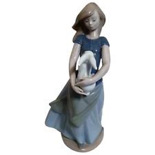 Statuetta NAO fanciulla con coniglio PERFETTA