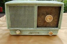 POSTE DE RADIO  BAKELITE Lucky poste ancien tsf poste vintage design xxeme