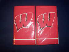 LOT UNIVERSITY OF WISCONSIN BADGERS PAPER LUNCH NAPKINS TOWELS 12 7/8 X 15 3/4