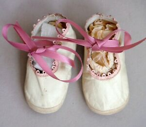 """Vintage Antique Soft Kid Leather Baby or Large Doll Shoes 3 3/8"""" x 1 1/2"""" P1509"""