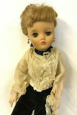 New ListingUneeda 2 s Doll Blonde 18-19�