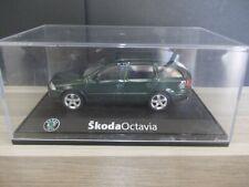 Abrex 1/43 - Skoda Octavia combi - dark green