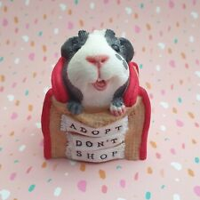 Guinea pig figurine - Adopt don't shop