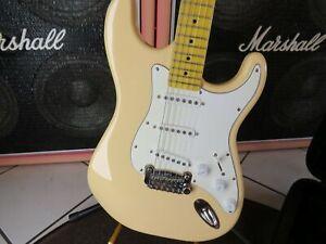 E-Gitarre G&L S500 Tribute Strat style cremegelb Serial No. 200419548 UVP 549,