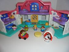FISHER PRICE LITTLE PEOPLE SWEET SOUNDS DOLL HOUSE  WORKS GREAT