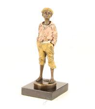 9973281-dss Escultura de Bronce Chico / Joven Silbando Color 8X 9X 21 Cm