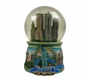 2001 Twin Towers Snow Globe San Francisco Music Box Company Pre 9-11 plays NY NY