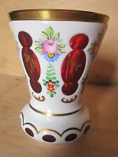 Vaso Boemia opalino su cristallo rossa sfaccettato in sovrapposizione