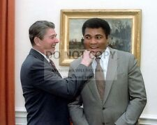 "PRESIDENT REAGAN ""PUNCHING"" LEGENDARY BOXER MUHAMMAD ALI - 8X10 PHOTO (ZZ-435)"