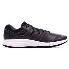Chaussures gris adidas pour fitness, athlétisme et yoga