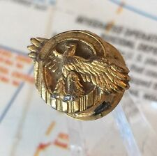 WW2 US HONORABLE DISCHARGE RUPTURED DUCK LAPEL PIN GOLD GILT PLASTIC WAR TIME #4