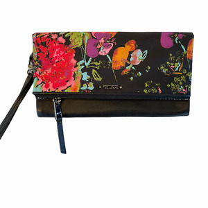 New TUMI Voyageur Collage Floral Travel Wallet - 125101-8150