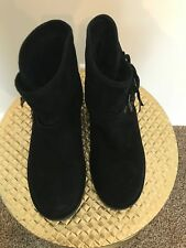 WOMEN'S BLACK UGG ANKLE BOOTS SUEDE UPPER SIZE 8 (SERIAL NUMBER 1009251)