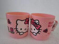 Bols, assiettes et tasses roses pour enfant