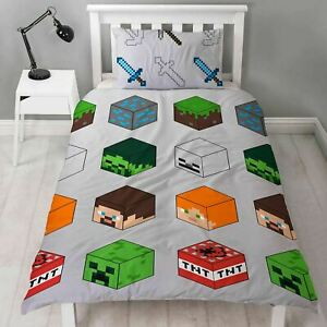Minecraft Pixels Duvet Cover and Pillowcase Set Skeleton Steve Alex Reversible