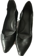 Black Leather Shoes Size 41 Well Worn comfortable kitten heel