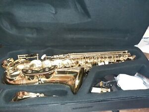 Saxophone with accesories!