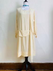 """Vintage 1920s Silk Flapper Dress Creamy Yellow Drop Waist Long Sleeves Bust 43"""""""