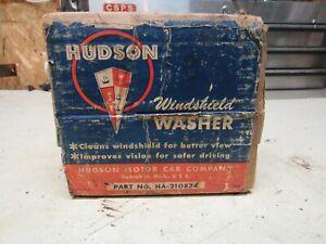 1948-1949 Hudson wind shield solvent jar with pump NOS